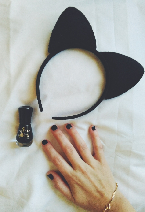 essence cruelty free nail polish black