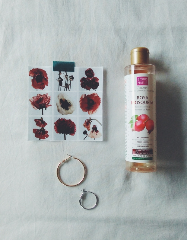 aroms nature rosehip oil shampoo